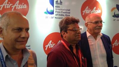 Pierre Assouline et le réalisateur Nikita Mikhalkov, invité d'honneur de l'IFFI.